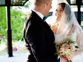 Pastelowe wesele z motylami. J&R